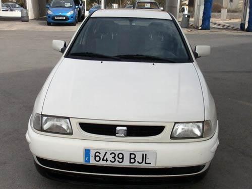white Cordoba image