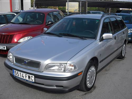 volvo v40 estate used car costa blanca spain second hand cars available costa blanca and beyond. Black Bedroom Furniture Sets. Home Design Ideas